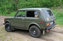 Lada-Niva-4x4-green1